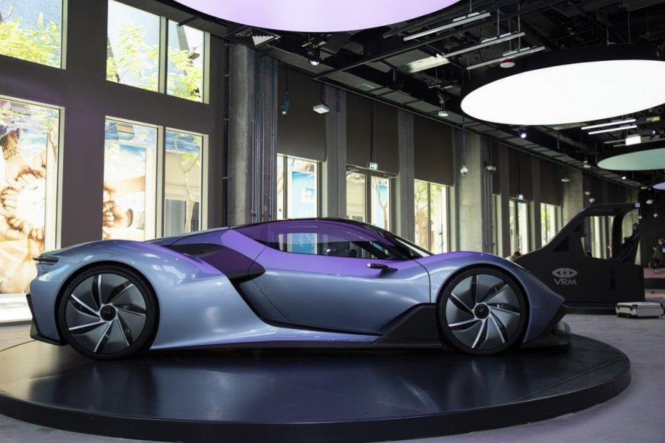 Ilustračný obrázok k článku Svetová premiéra slovenského vodíkového auta ohromila EXPO. Čo má spoločné s Ferrari? FOTO