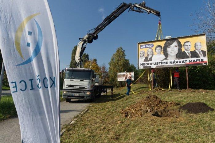 Ilustračný obrázok k článku Remišová zúri! Košice jej odstránili bilbord, podľa mesta bol nelegálny