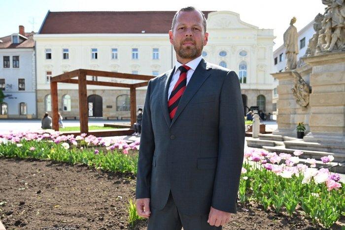 Ilustračný obrázok k článku Poslanec Galbavý kandiduje za primátora: S čím chce zabojovať o hlasy Trnavčanov?