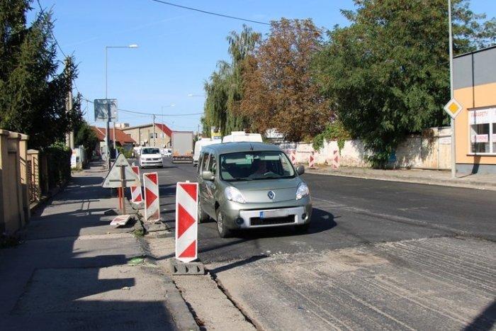 Ilustračný obrázok k článku Mesto pokračuje v rekonštrukcii ciest: Pribudnúť by mali aj nové parkovacie miesta