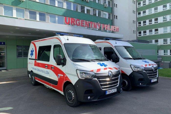 Ilustračný obrázok k článku Popradská nemocnica sa pochválila novými sanitkami: TAKTO sú vybavené proti COVID-19
