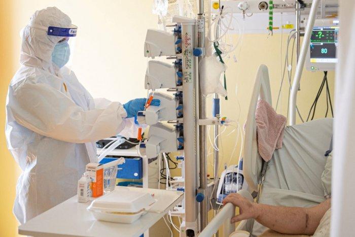 Ilustračný obrázok k článku Nemocnice sa plnia hlavne nezaočkovanými: KTORÝ kraj je na tom v tretej vlne najhoršie?