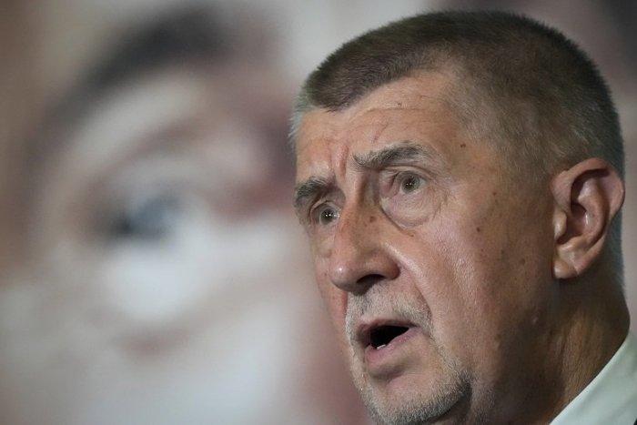 Ilustračný obrázok k článku Babiš: Zeman mi potvrdil, že ma poverí zostavením vlády. Po stretnutí ho odvážala sanitka