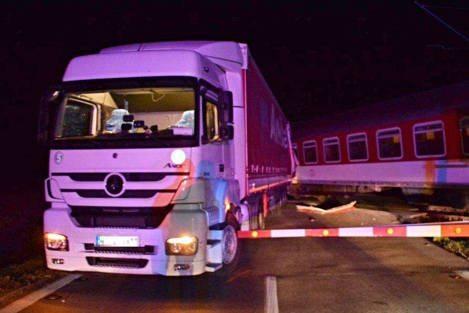 Ilustračný obrázok k článku Rýchlik sa zrazil s nákladným autom: Vodičovi z Turecka hrozia 3 roky za mrežami