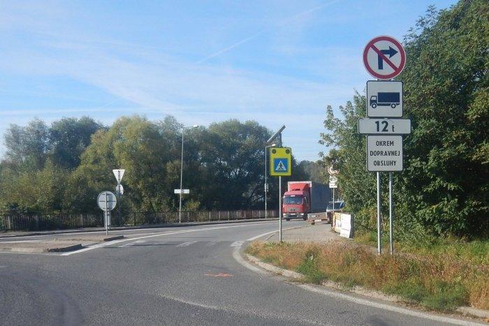 Ilustračný obrázok k článku Stret cyklistu s autom v Púchove: Polícia hľadá svedkov dopravnej nehody