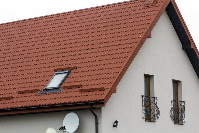 Ilustračný obrázok k článku Zateplenie šikmej strechy PUR penou či minerálnou vlnou?